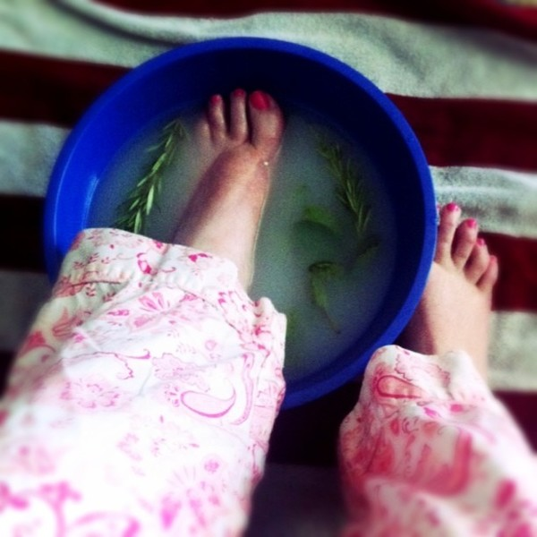 swollen feet remedy